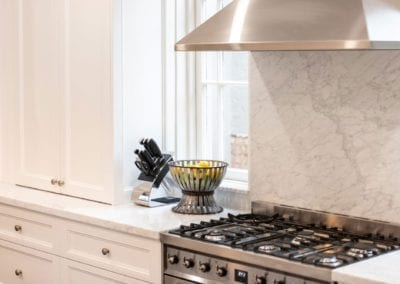 Hamptons kitchen glamour Woollahra benchtop stove