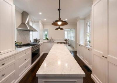 Hamptons kitchen glamour Woollahra kitchen island