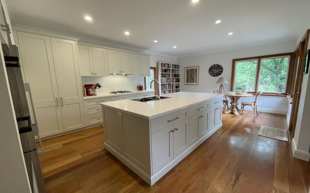 Cosy Country Hamptons Kitchen Bundanoon