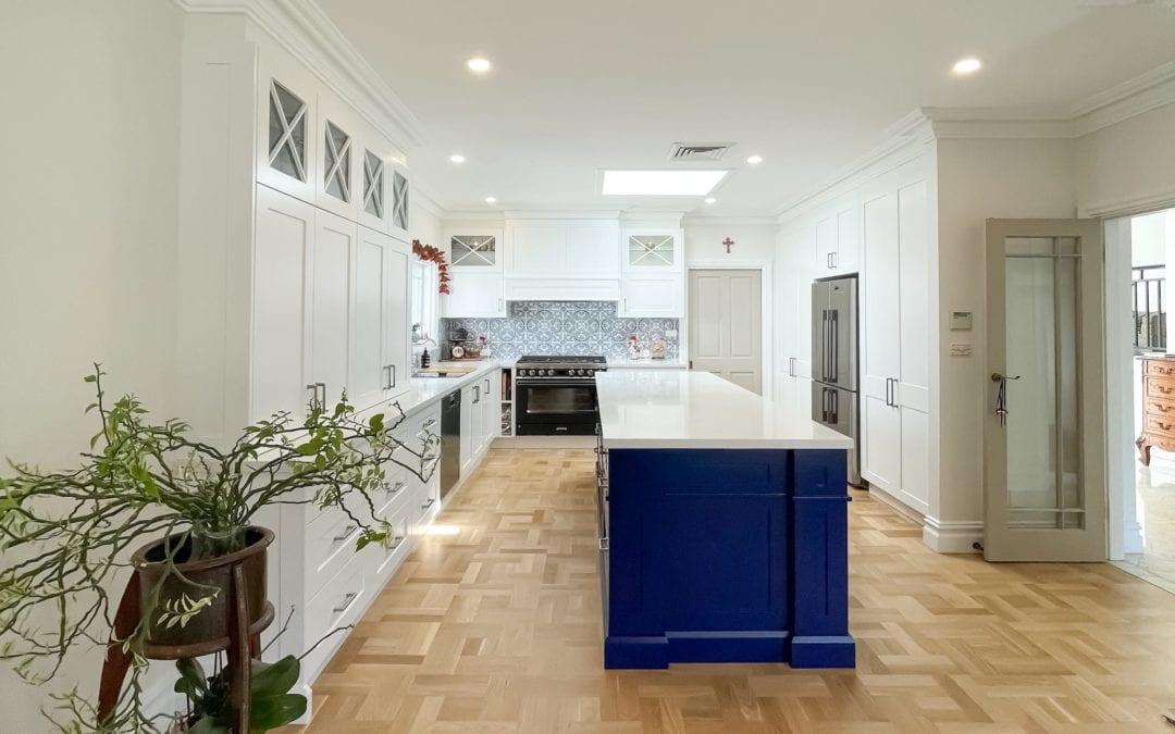 Dramatic Two Toned Kitchen Blakehurst