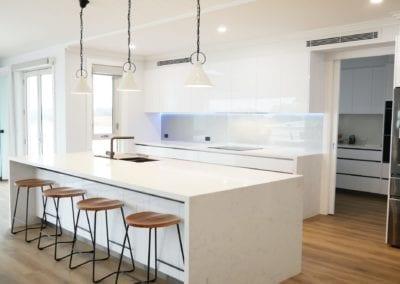 Modern White Perfection Kitchen Razorback